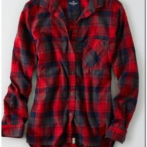 American Eagle boyfriend fit plaid flannel button